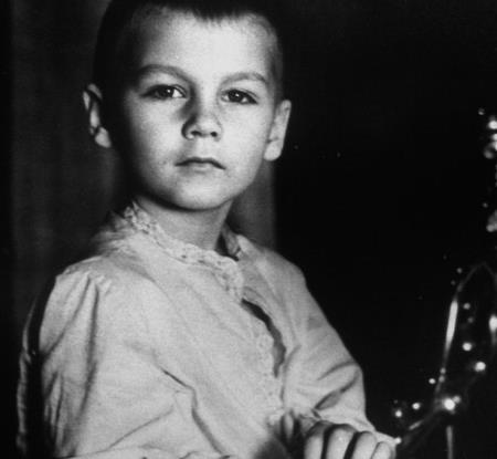 Филипп в детстве