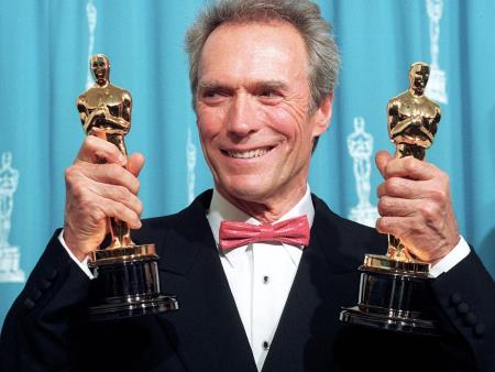 Клинт Иствуд со своими наградами!