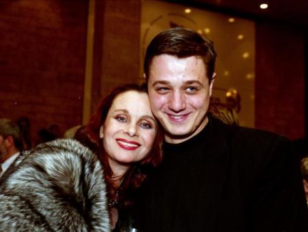 С мамой Любовью Полищук
