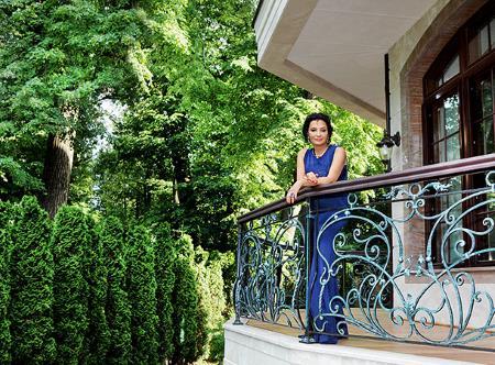 Ирина Винер в загородном доме