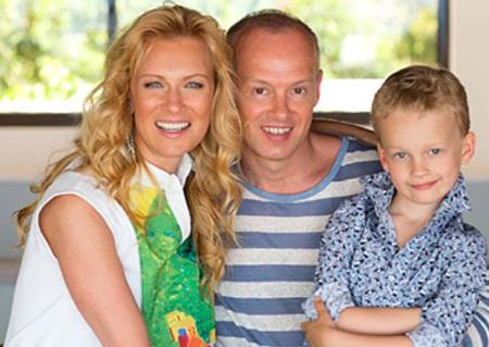 Олеся Судзиловская с семьей