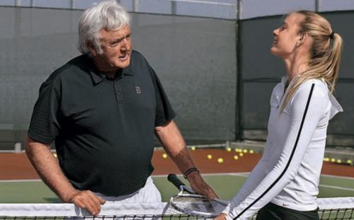 Мария Шарапова и Роберт Лэндсдорп. По словам Марии именно Лэнсдорпу она обязана превращением из ребенка в профессионального игрока. обязана