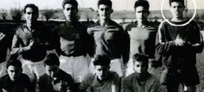Хулио Иглесиас в юности в футбольной команде