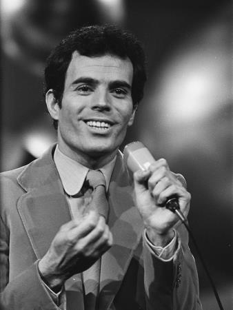 "Хулио Иглесиас в 1970 году представлял Испанию на ""Евровидении"", но не победил"