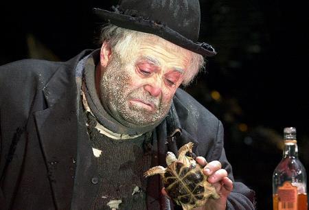 Александр Калягин на сцене театра