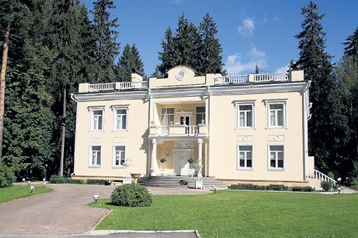 Дом семьи Юдашкиных в поселке Баковка