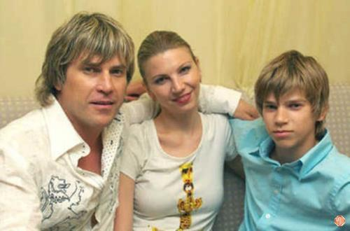 Алексей Глызин с семьей