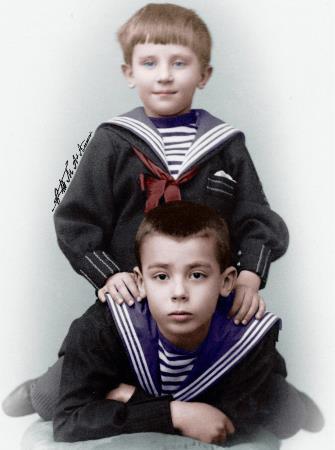 Феликс и Николай в детстве с братом