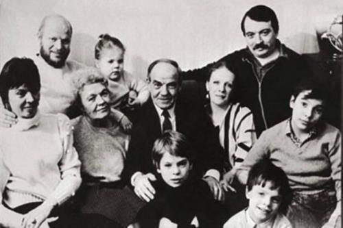 Михаил Глузский с семьей