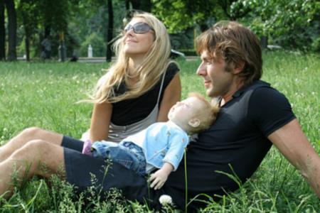 Наталья Шкулева с семьей