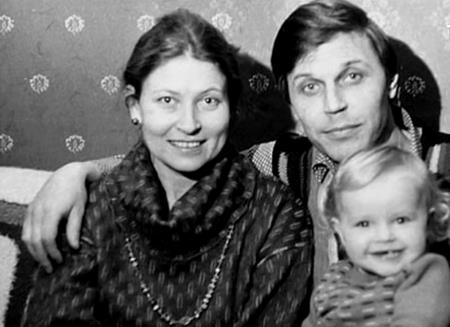 Людмила Зайцева с мужем и дочкой
