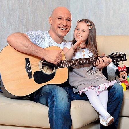 Денис Майданов с дочкой Владой