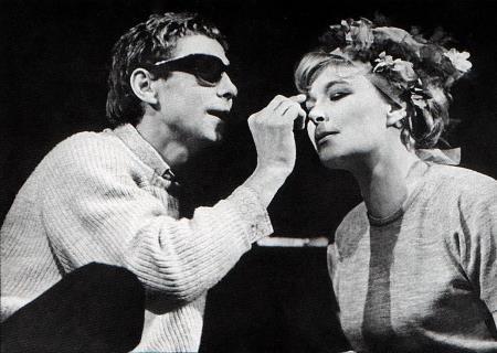 Олег Даль на сцене театра