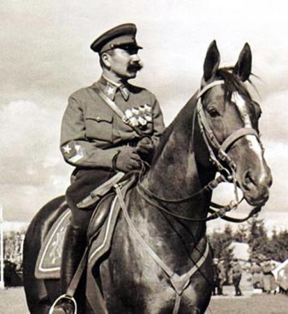 Семен Буденный на своем любимом коне
