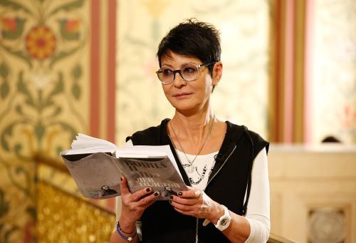 Политик, Ирина Хакамада