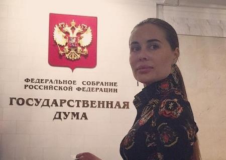 """Юля Михалкова в """"политике"""""""