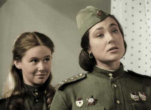 """Евгения Симонова в картине """"В бой идут одни старики"""""""