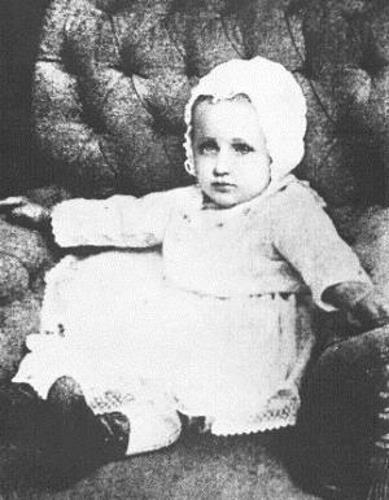 Анна Горенко в детстве