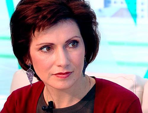 Телеведущая Светлана Зейналова