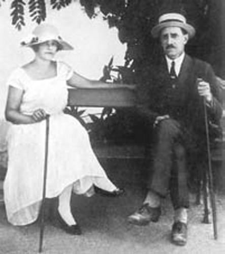 Нина, вторая супруга писателя осталась с ним до конца