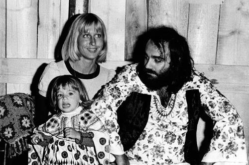 Семья Демиса Руссоса с первой женой Моникой