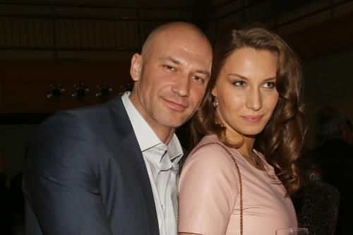 Константин Соловьев с женой Анастасией Лариной