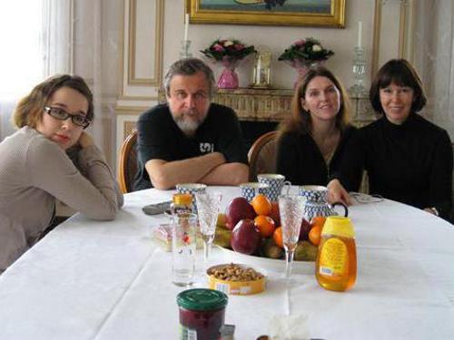 Андрей Эшпай с семьей: с женой и дочерьми