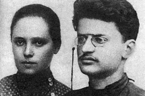 Лев Троцкий и Александра Соколовская