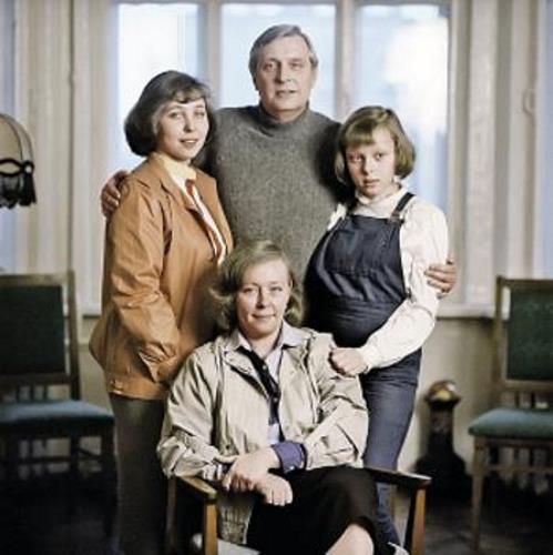 Олег Басилашвили с семьей