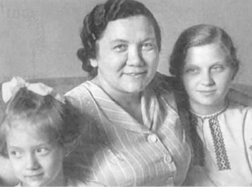Нина Хрущева - биография, фото, личная жизнь, смерть - Biography Life