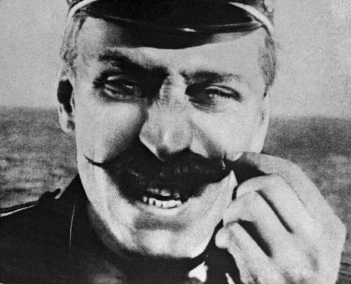 """В роли офицера в картине Эйзенштейна """"Броненосец """"Потемкин"""""""
