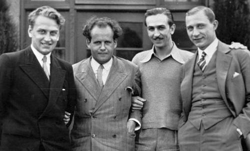 На фото: Григорий Александров, Сергей Эйзенштейн, Уолт Дисней,и кинооператор Тиссэ